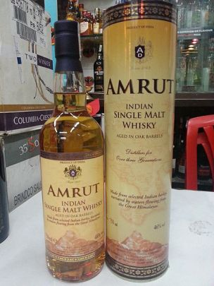 Amrut_singlemalt_whisky_2013-06-11_18-39