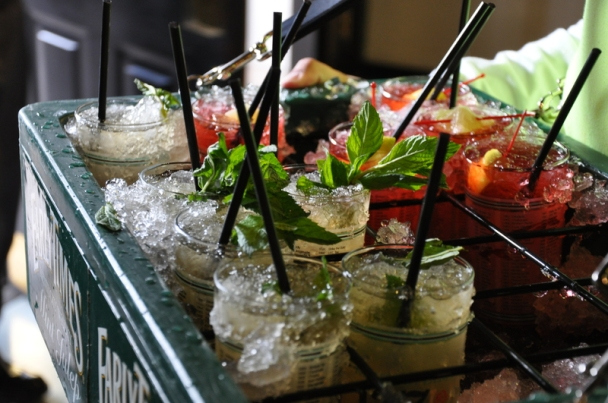 derby-experiences-about-the-kentucky-derby-mint-julep-kentucky-oaks-lily