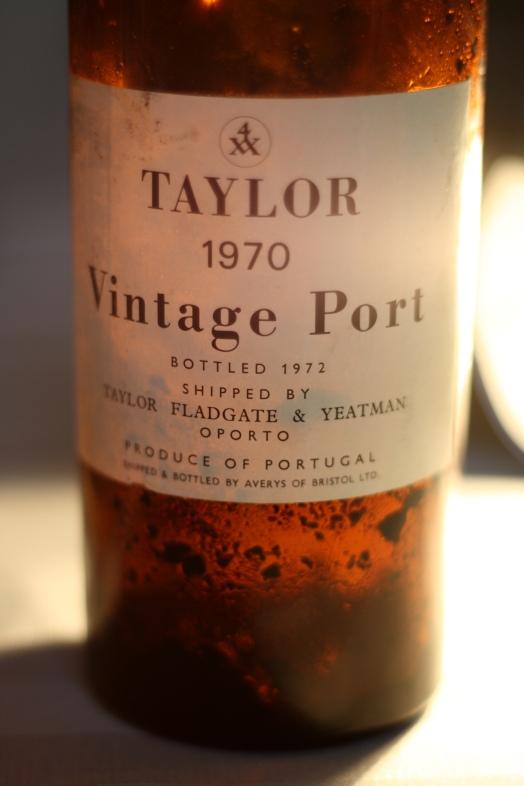 vintage_port_bottle_with_sediment